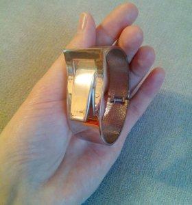 Металлический браслет-защелка