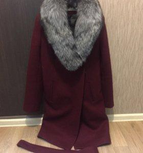 Новое зимнее пальто. Натуральная чернобурка. Р 42