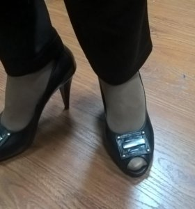 Элегантные туфли с открытым носом
