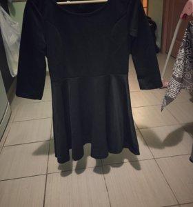 Платье чёрное с отливом новое короткое