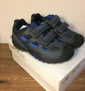 Новые кроссовки кожа Geox 28 размер.