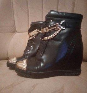 """Зимние ботиночки """"Casadei"""""""
