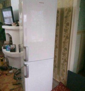 Продаю холодильник Веко