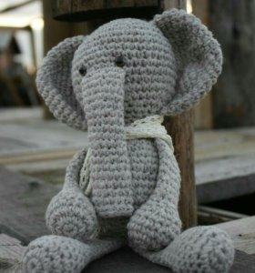 Вязанный слоник