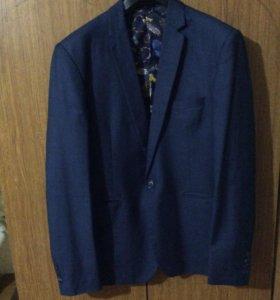Фирменный приталенный пиджак