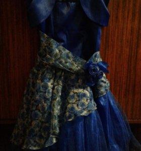 Продам платье 8-10 лет