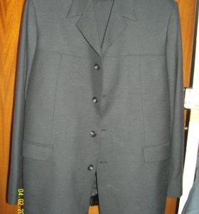 Пиджак, два костюма и двое брюк
