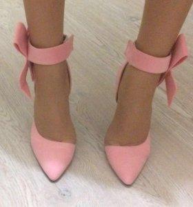 Продам новые очаровательные туфли