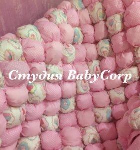 Комплект бортиков-подушек и одеяло «бонбон»