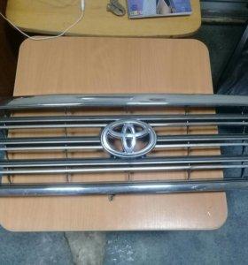 Решетка радиатора Land Cruiser 100