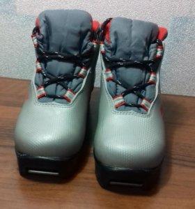 Ботинки детские лыжные 28 размер