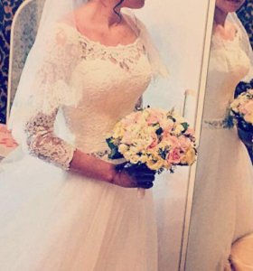 Продаю свадебное платье ! Очень красивое