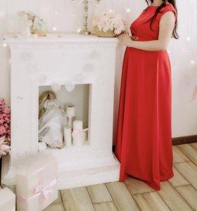 Красивое красное платье в пол, одевалось один раз
