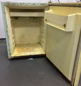 Холодильник маленкий