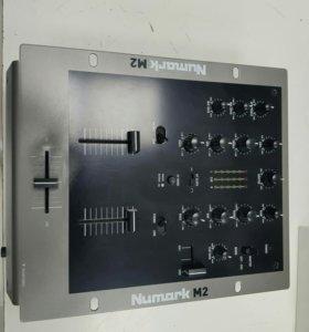 Numark M2 микшерный пульт