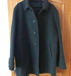 Продам демисезонное пальто в идеальном состояние