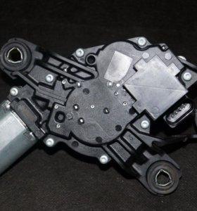VW мотор заднего стеклоочистителя 5K6955711B