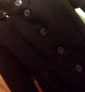 Черное драповое пальто с капюшоном 42