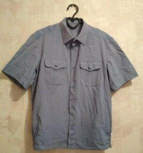 Рубашка с коротким и длинным рукавом.