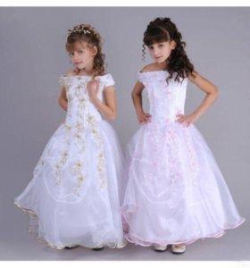 продам белое платье на девочку