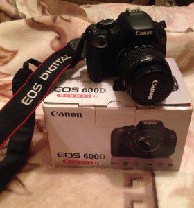 Цифровая Фотокамера EOS 600D
