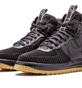 Кроссовки Nike Force 1 42 / 26,5 см