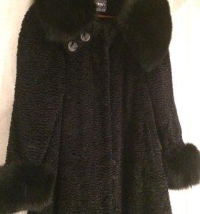 Пальто под каракуль с нат. воротником и манжетами