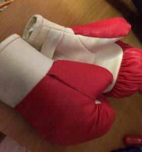 Боксёрские перчатки с 4-7 лет