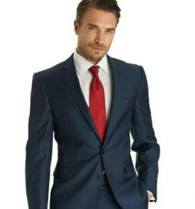 Итальянский деловой костюм новый.