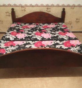 Кровать двуспальная.