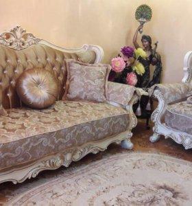 Роскошный комплект мягкой мебели. Диван+2 кресла