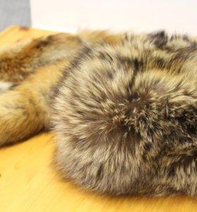 Теплая и комфортная шапка из енота + хвосты к ней