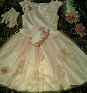 Нарядные платье на 3-5,6лет