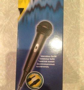 Микрофон караоке.