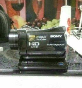 Видеокамера HDR-cx7