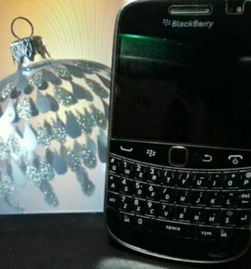 Телефон BlackBerry 9930