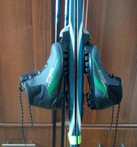 Детский комплект лыжи,  палки, ботинки