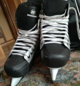 Коньки хоккейные, размер 39