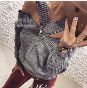 Тёплый свитер с молнией