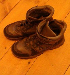 Ботинки демисезон. б/у кожаные утепленные шерстью