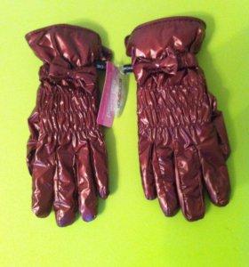 Перчатки женские.