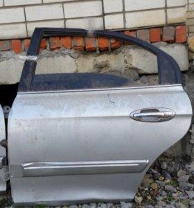 Hyundai Sonata 5 Magentis дверь левая