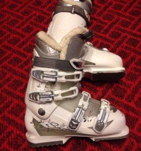 Ботинки женские горнолыжные Salomon