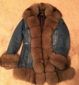 Тёплая джинсовая куртка с мехом песца