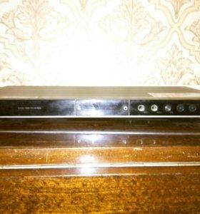 DVD плеер LG DVX583K
