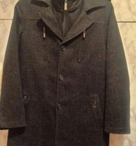 Демисезонное пальто, рост 140