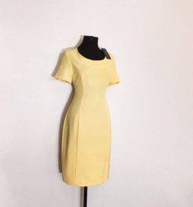 Новое фирменное платье с этикеткой