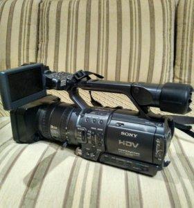 Видеокамера Sony HDR-FX1E