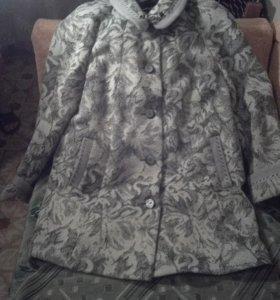 Продаем демисезонное пальто