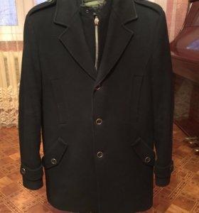 Шерстяное зимнее пальто с подкладом
